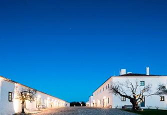 REGUENGOS DE MONSARAZ - Estadia de 1 Noite no Hotel São Lourenço do Barrocal 5* + Programa Rota do Vinho do Alentejo!